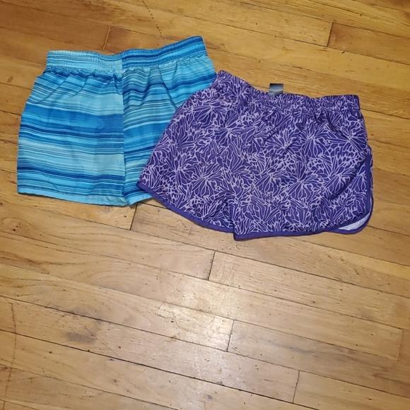 Bundle of 2 C9 champion girls gym shorts large